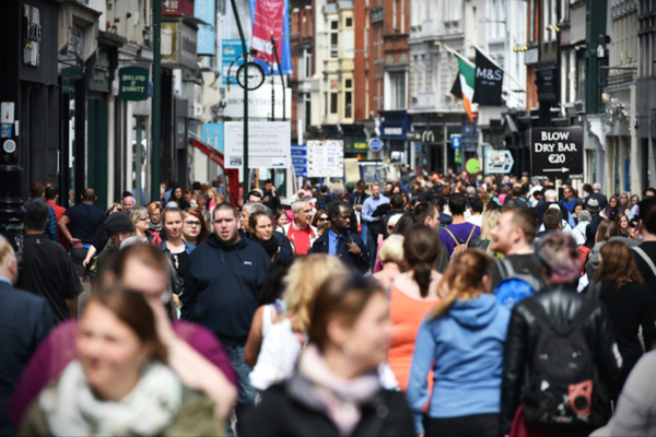 High Street Footfall Outperforms Shopping Centre's